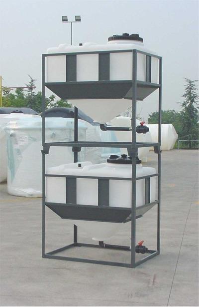 cuve r servoir plastique carr e ou rectangulaire fond conique pe pehd hdpe cuves plastiques. Black Bedroom Furniture Sets. Home Design Ideas